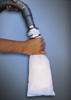 Vakuumförderer mit Niedrigleistung bei der Befüllung eines Kissens